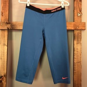 Nike Pro Dri-Fit Crop Legging Capri Blue & Coral